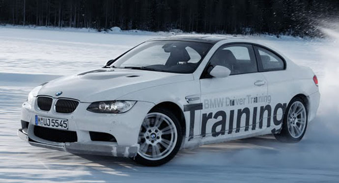 BMW Driving-on-snow-or-ice